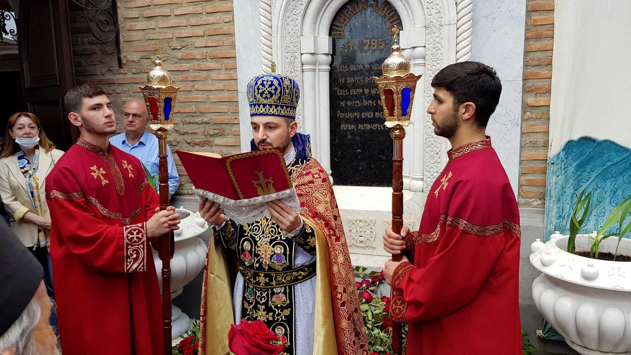 Spirit of ''Vardaton'' (The Feast of Roses) dedicated to Sayat-Nova spread in Tbilisi